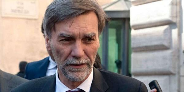 Alitalia, la preoccupazione di Delrio: problemi seri