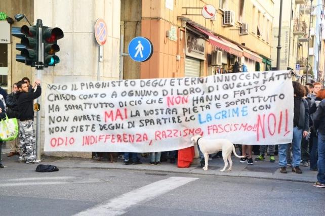 Lanci di uova contro Matteo Salvini   Il leader della Lega contestato a Livorno