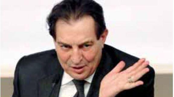 "Sicilia, Crocetta esterna su Facebook | ""Il nostro bilancio è in equilibrio"""