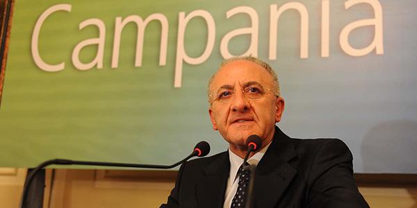 Il governatore De Luca nuovamente nella bufera | È indagato per istigazione al voto di scambio