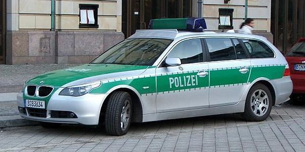 Germania, arrestati due giovani fratelli kosovari | Progettavano un attacco a un centro commerciale
