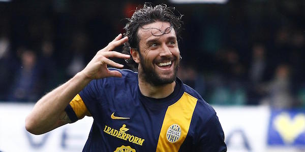Toni batte Tevez e scappa a 22 gol, Icardi è avvisato