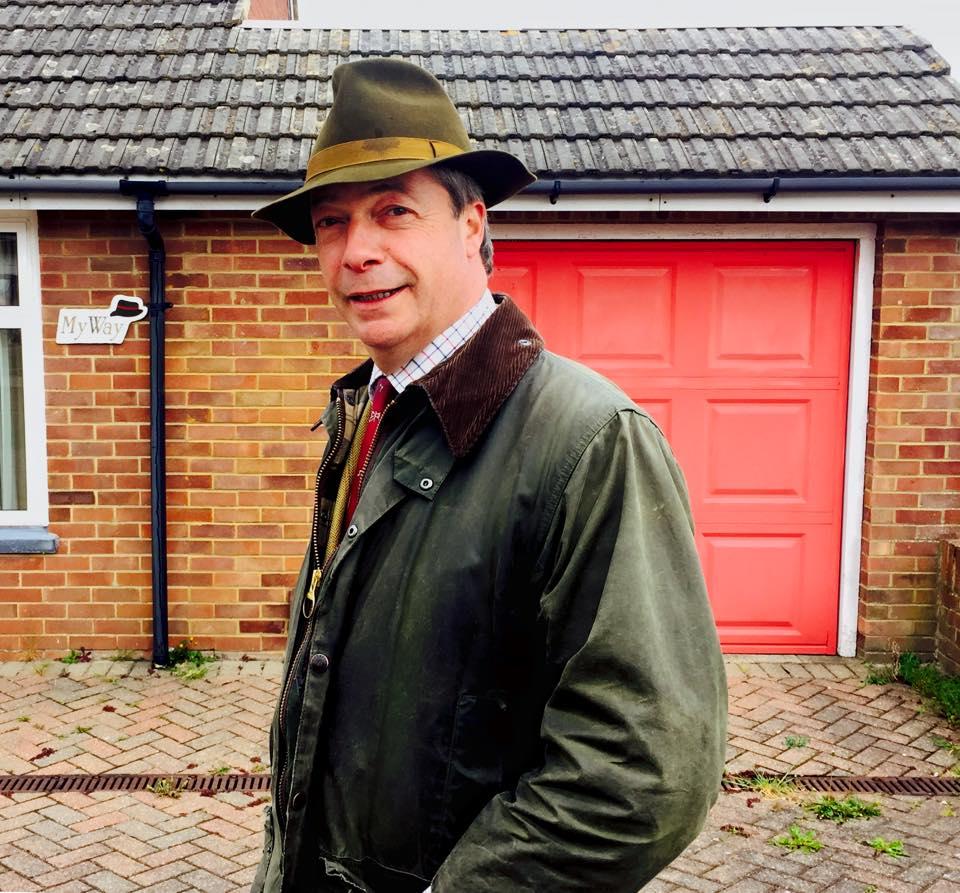L'Ukip respinge le dimissioni di Farage | dopo il flop alle elezioni in Gran Bretagna