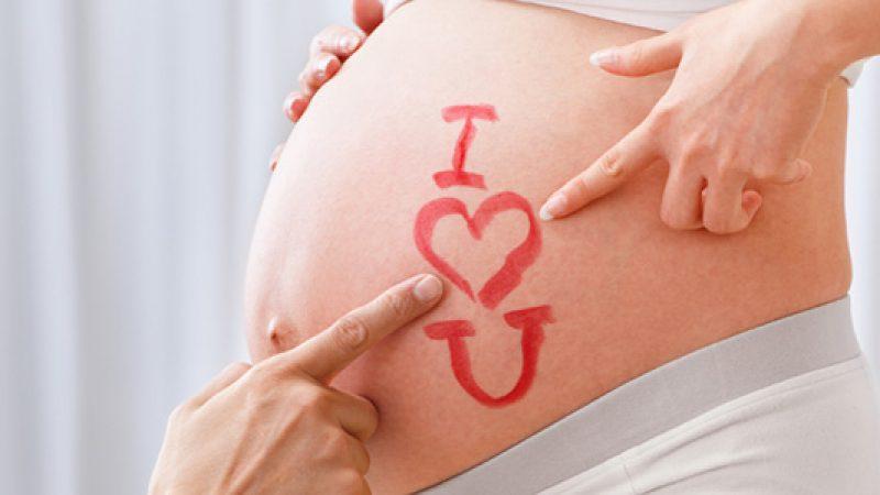 Gravidanza, il paracetamolo non è sicuro | Possono essere diversi i rischi per il feto