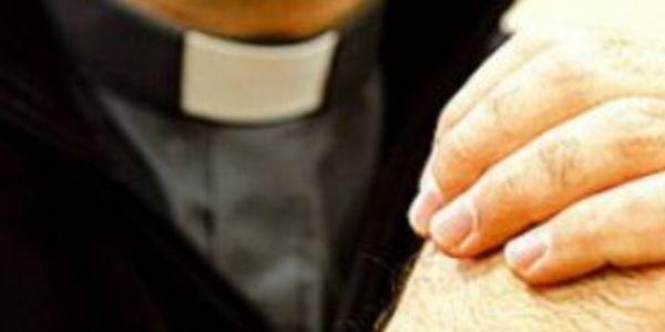 Lecce, prete abusò di un bambino: denunciato dopo 30 anni