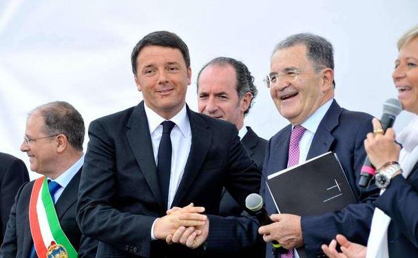 Renzi e Prodi, fine delle ostilità   A Venezia la stretta di mano della pace
