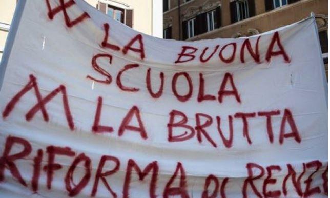 Scuola, a Bologna rinviati quasi tutti gli scrutini | Nel Molise 80% di adesione allo sciopero
