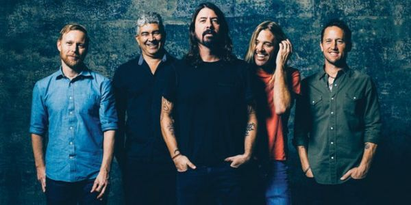 Foo Fighters, tour europeo annullato dopo l'incidente di Dave Grohl