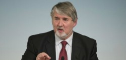 jobs act, jobs act e sgravi ingiusti, ingiusti sgravi jobs act, poletti interviene su jobs act, ministro poletti jobs act