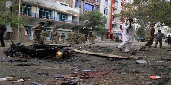 Kabul, tre bombe esplodono ad un funerale | 18 morti. Rimasto illeso il vicepremier Abdullah