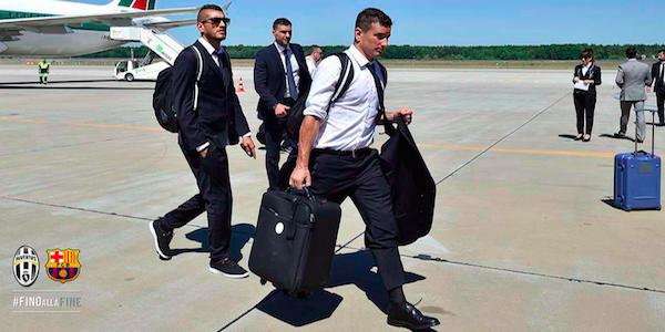 "Juve, i tifosi bianconeri invadono Berlino. E c'è anche Dybala <u><b><font color=""#343A90"">FOTO</font></u></b>"
