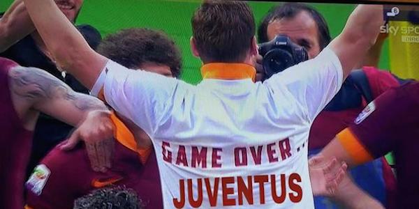 """Juve-Barça, l'ironia del web: alla fine hanno vinto i gufi <u><b><font color=""""#343A90"""">FOTO</font></u></b>"""