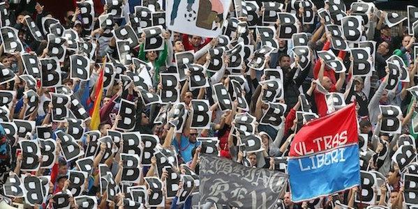 """Catania nei guai, i tifosi del Palermo si scatenano sui social <u><b><font color=""""#343A90"""">FOTO</font></u></b>"""