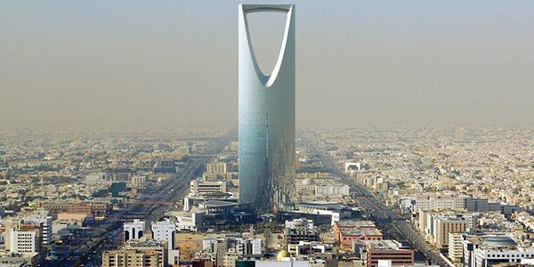 Arabia Saudita e Occidente: dal fascino dei dollari | alle critiche delle organizzazioni per i diritti umani