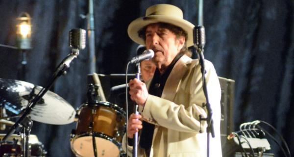 Bob Dylan fa il tutto esaurito a Roma, mercoledì a Lucca De Gregori apre il suo concerto