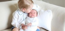 prime foto principini inglesi, prime foto baby princess, george e charlotte, foto george e charlotte insieme, george e la sorellina insieme