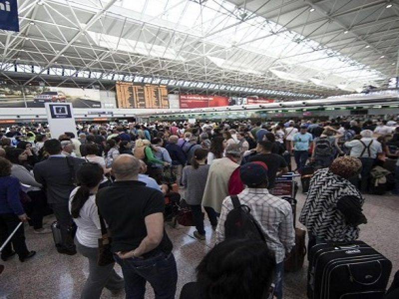 aeroporti, code aeroporti, disagi aeroporti, heathrow, tilt aeroporti, tilt check in aeroporti