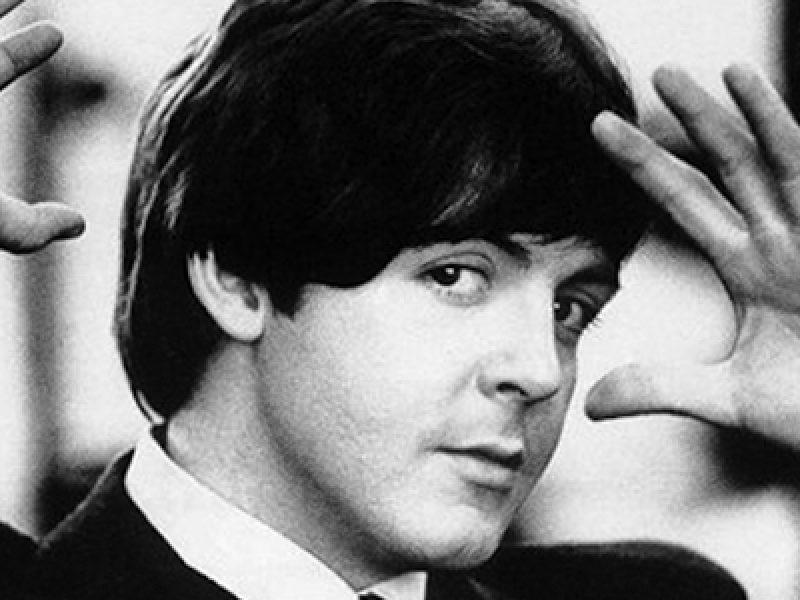 Paul-McCartney-contro-John-Lennon-La-sua-morte-lo-ha-trasformato-in-un-martire-noi-tre-siamo-spariti