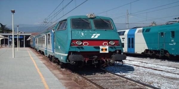 Un cadavere sui binari vicino alla stazione Casilina | Circolazione dei treni sospesa con Roma Termini