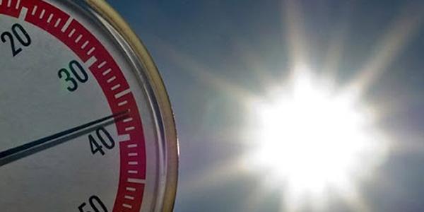 Caldo, allarme rosso nel weekend in 10 città | Emergenza siccità a Parma e Piacenza