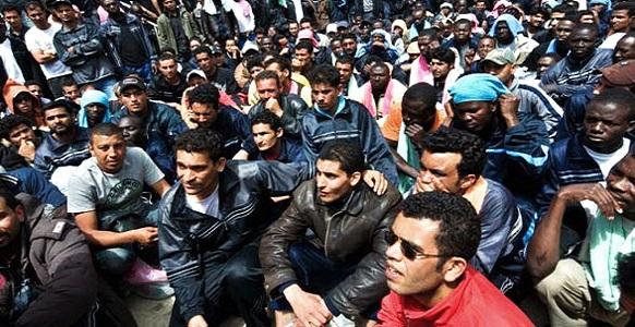 trieste immigrati treno bloccato