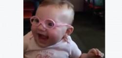 indossa-gli-occhili-per-la-prima-volta-reazione-video-virale