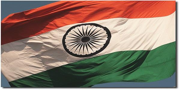 Nuova Delhi, sgozzati dai fili degli aquiloni | Tre persone morte: tra loro 2 bambini