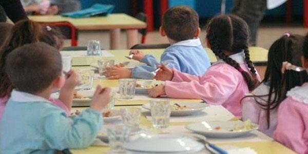 """In Italia 1 bambino su 10 vive in """"povertà assoluta"""""""