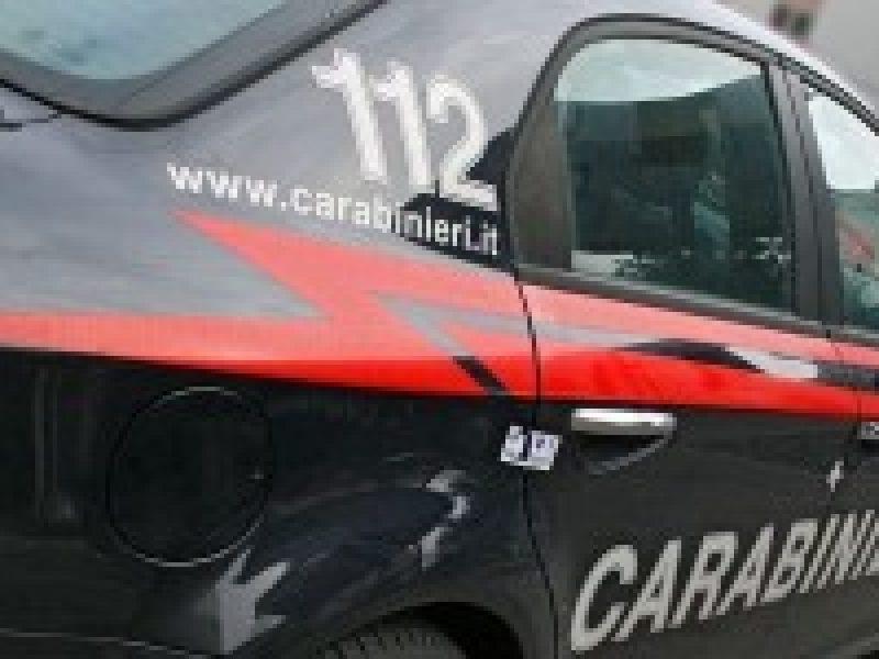 omicidio Pavia, Dorno Pavia, Roberto Garini, uomo uccide compagna Pavia, omicidio Pavia uomo barricato in casa