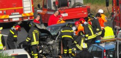 incidente brindisi tre morti