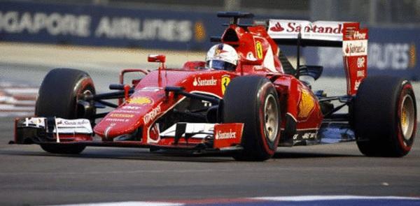 F1, Vettel e la Ferrari trionfano a Singapore | Terzo Raikkonen, Hamilton si ritira