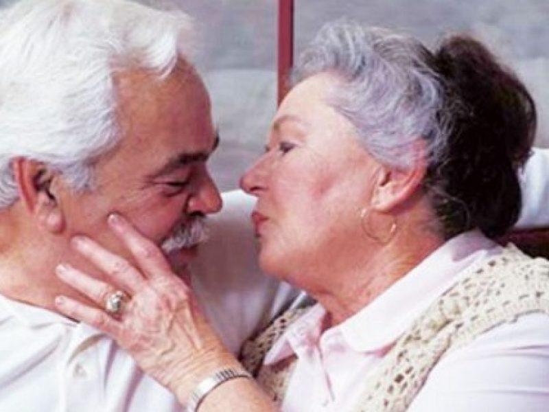 sesso dopo i 50 anni, sesso dopo i 50 anni fa bene, praticare sesso dopo i 50 anni fa bene, quando praticare sesso
