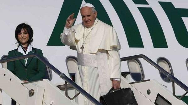 """Il Papa in Irlanda: """"Abusi sui minori: ripugnanti"""""""