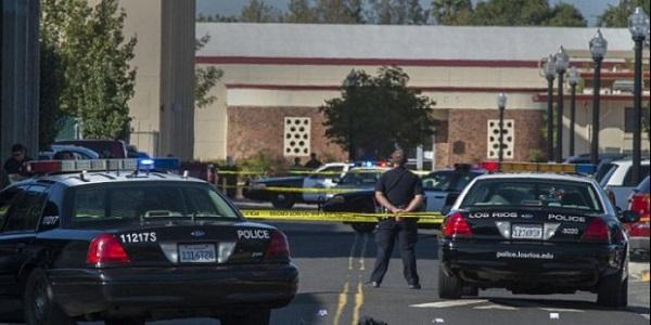 """Usa, accoltella 8 persone in un centro commerciale   L'Isis rivendica: """"Era un nostro soldato"""""""