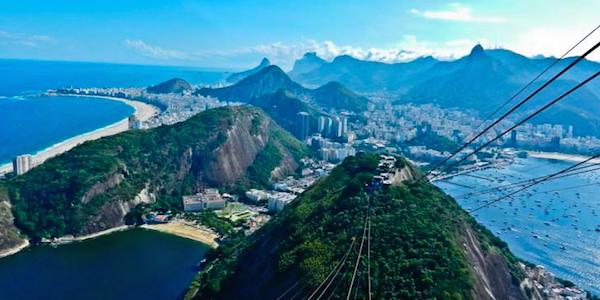 Brasile, esplosione disastrosa a Rio de Janeiro   Almeno 40 edifici sono stati rasi al suolo