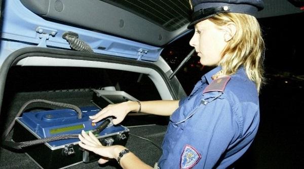 Donna ubriaca al volante investe tre ragazze | Una 26enne è grave in rianimazione