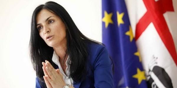 A giudizio il sottosegretario ai Beni culturali   Francesca Barracciu lascia l'incarico