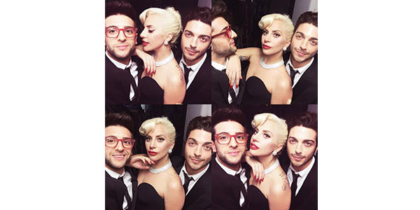 "Gossip, ""Il Volo"" a New York: Piero Barone e Gianluca Ginoble in posa per una foto con Lady Gaga"
