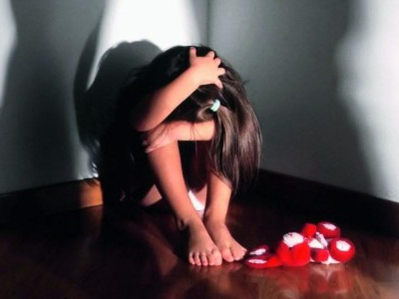 Maltrattatava gli alunni in classe, sospesa insegnante a Giffoni Valle Piana
