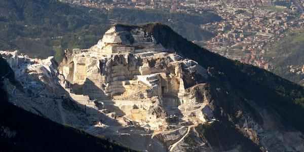 Massa Carrara, dramma in cava: muore un 46enne