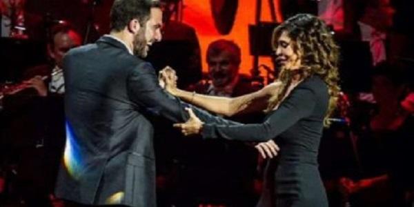 """Gossip, il tango tra Belen e Higuain e la """"proposta indecente"""" a Stefano De Martino <u><b><font color=""""#343A90"""">AUDIO</font></u></b>"""