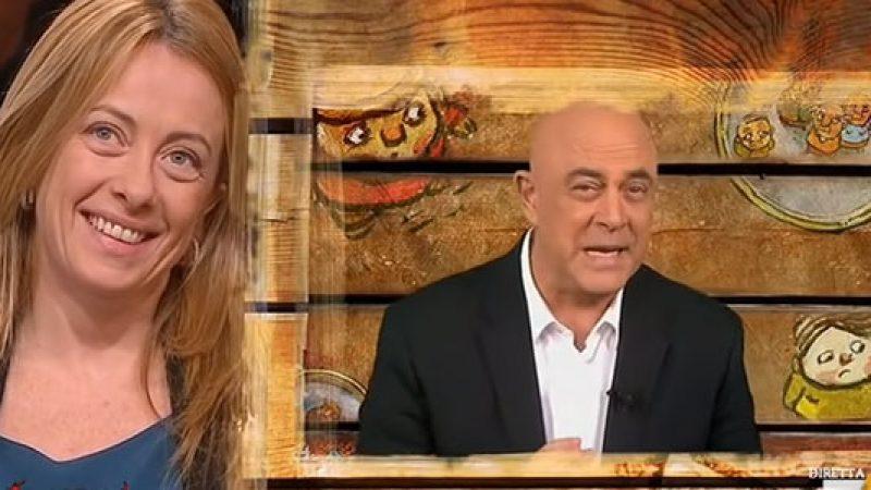 La copertina di Maurizio Crozza a DiMartedì dell'11 novembre 2015 /VIDEO