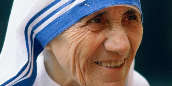 Il Papa firma la canonizzazione di Madre Teresa | La proclamazione potrebbe tenersi il 5 settembre