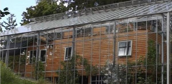 Svezia addio alle bollette della luce ecco la naturhouse for Suggerimenti per la costruzione della propria casa