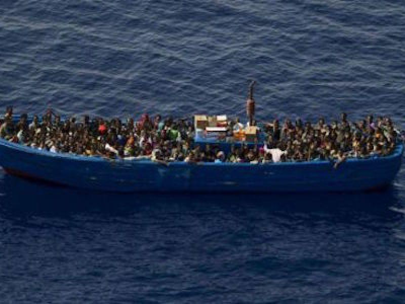 nave frontex e monte sperone ancora al largo di pozzallo, linea dura di salvini sui migranti, salvini aumentare espulsioni e bloccare ingressi