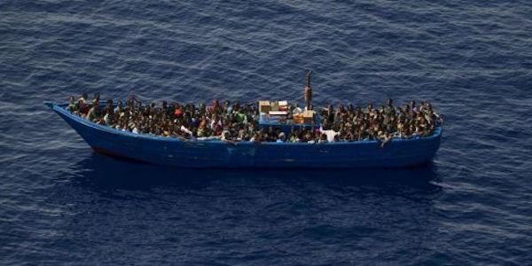 """Migranti a Pozzallo, 250 in altri Paesi. Conte: """"Europa solidale"""""""