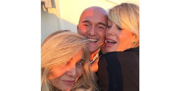Alessia Marcuzzi, Mara Venier e Alfonso Signorini a cena insieme aspettando l'Isola dei famosi /FOTO