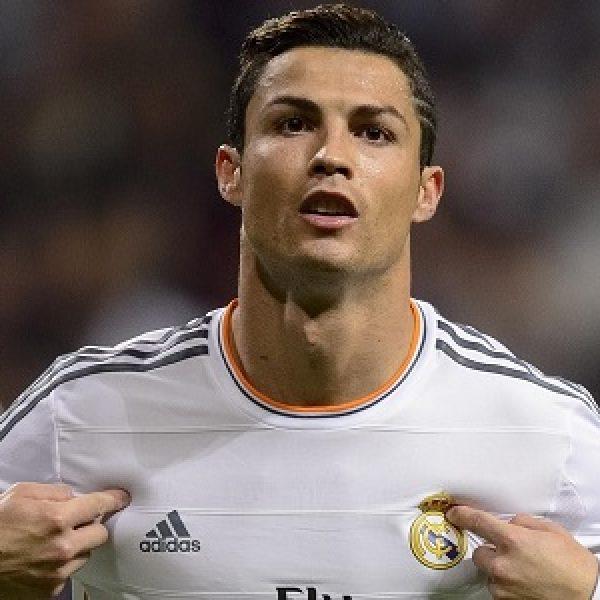 Juventus, l'alieno Cristiano Ronaldo sbarca a Torino: presentazione allo Stadium