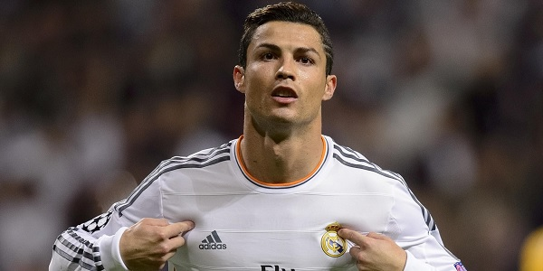 Cristiano Ronaldo denunciato per frode fiscale | Avrebbe evaso 15 milioni di euro in 4 anni