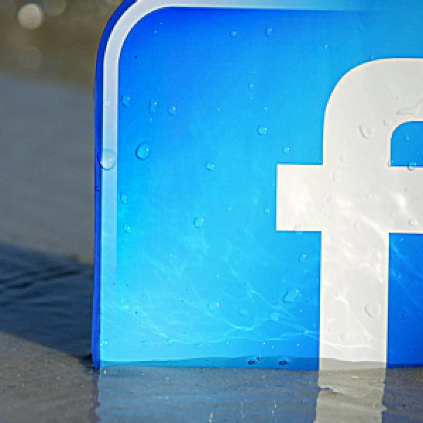 """Facebook crea dipendenza come la cocaina. Ecco lo studio riportato da """"The Indipendent"""""""